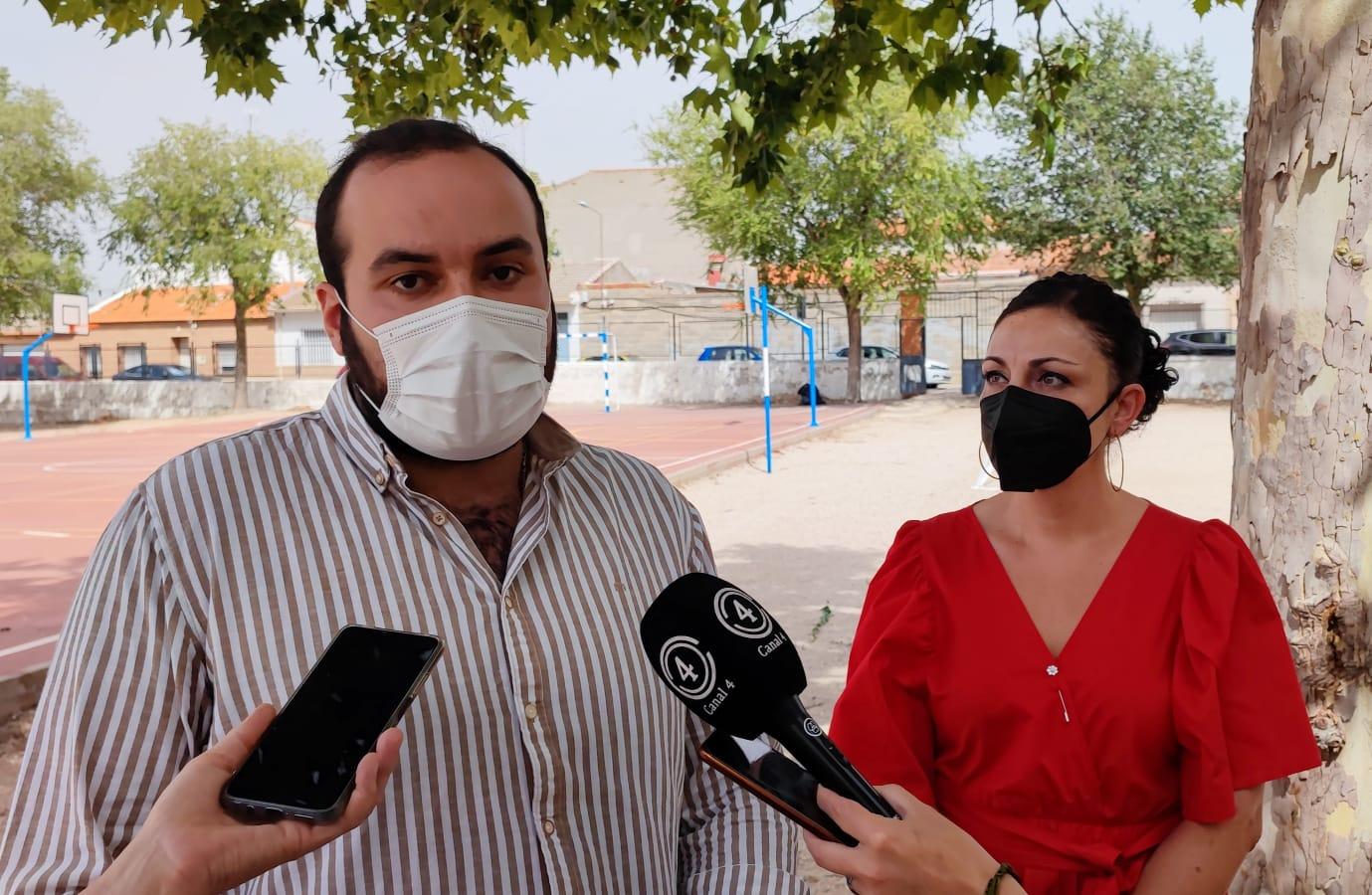 concejal de medioambiente, José Luis Zapata y concejal de educación, Caridad Ortiz