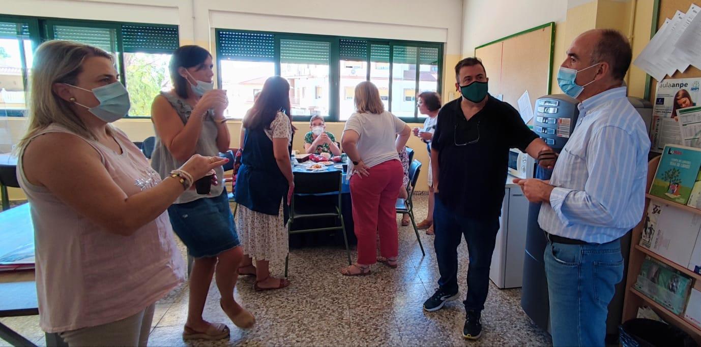 Valentín Bueno visita colegio Graciano Atienza