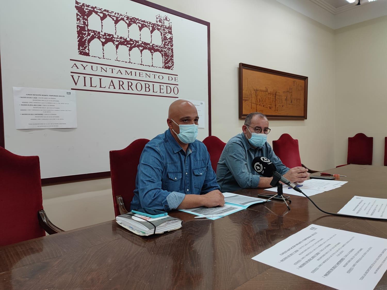 Miguel Hergueta, concejal de deportes y José Miguel Ballesteros, coordinador de actividades acuáticas