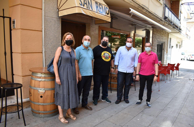 Begoña Garijo, gerente APETH, Valentín Bueno, José Luis Zapata y José Ángel Díaz junto a un empresario hostelero