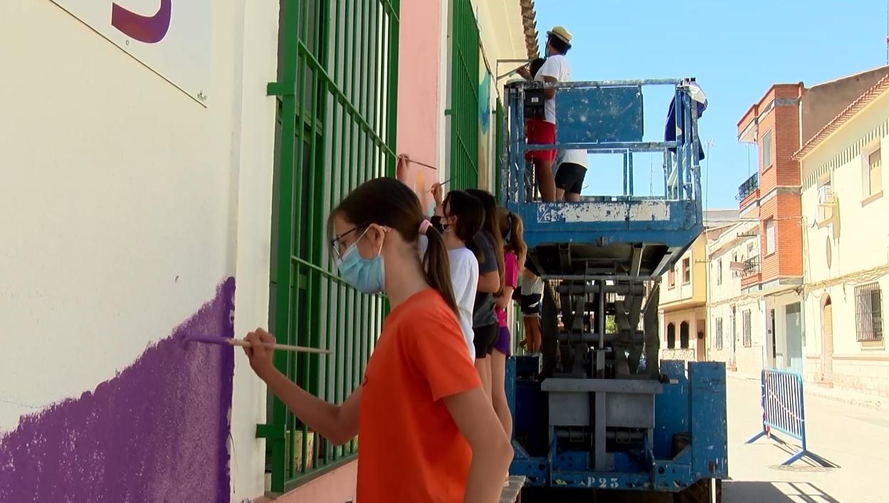 Verano Joven 2021 taller de pintura mural Celda 19