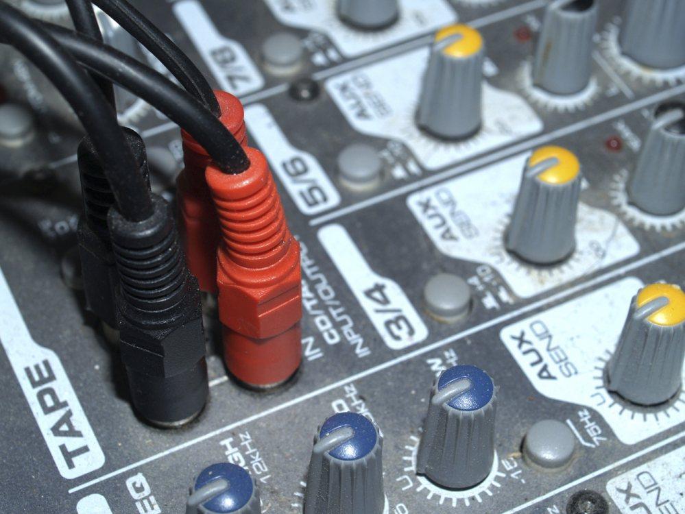 Cursos de fundamentos de edición de audio y vídeo
