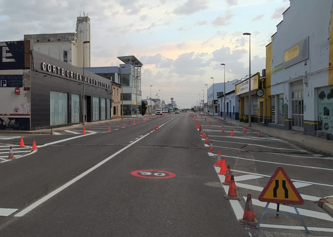 cambio estacionamiento avenida Reyes Católicos 1